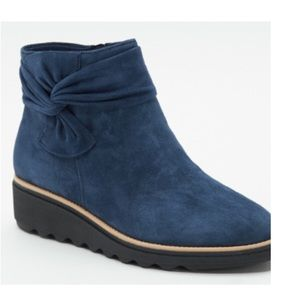 NWT Clark's 9.5 Sharon Salon Suede Ankle Boot
